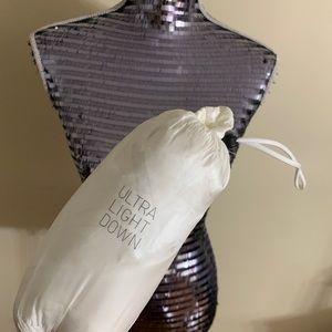 Uniqlo Light Weight Down Foldable Jacket
